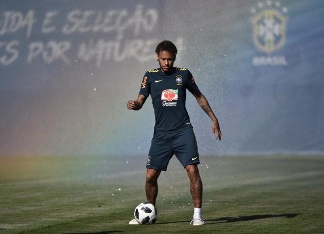 Słynny Brazylijczyk Neymar nie zagra przeciwko Barcelonie, ale to nie znaczy, że paryżanie muszą się obawiać o awans do ćwierćfinału Ligi Mistrzów
