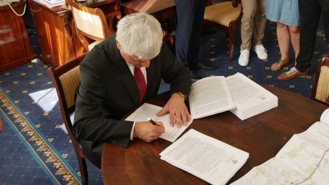 Pozwolenie na realizację inwestycji podpisał wojewoda Bohdan Paszkowski
