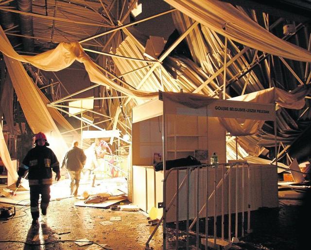 28 stycznia 2006O godzinie 17.15, podczas wystawy gołębi pocztowych, runął dach wielkiej hali Międzynarodowych Targów Katowickich.