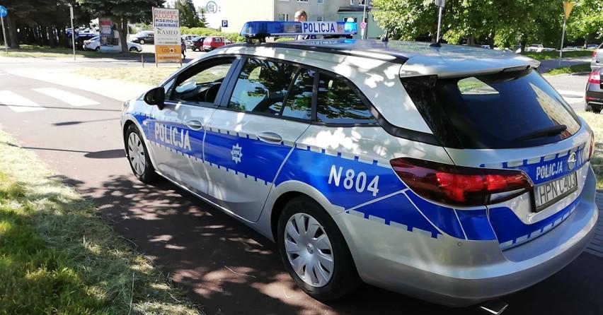 Wypadek na ul. 11 Listopada. Potrącona kobieta na przejściu dla pieszych