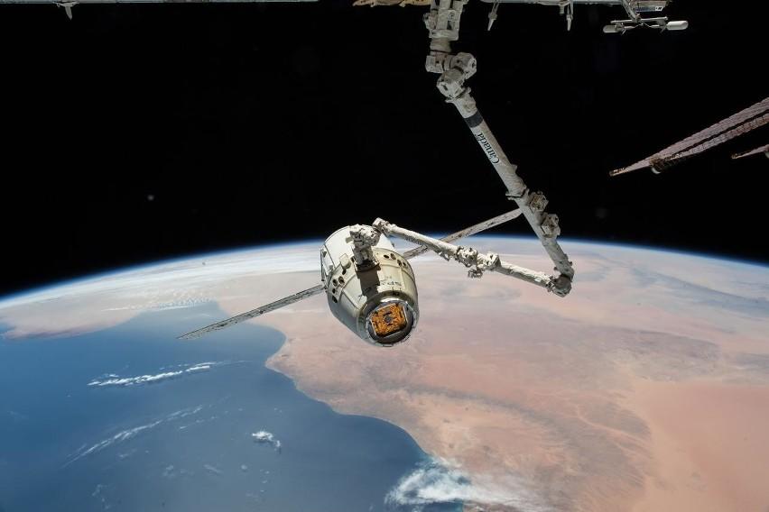 Niesamowity kadr przechwycony przez sondę New Horizons NASA.