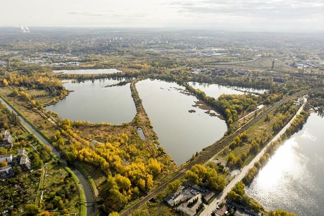 Rewitalizacja Doliny Pięciu Stawów w Katowicach ma się rozpocząć na przełomie pierwszego i drugiego kwartału 2023 roku. Zobacz kolejne zdjęcia. Przesuwaj zdjęcia w prawo - naciśnij strzałkę lub przycisk NASTĘPNE