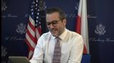 Bix Aliu, Chargé d'Affaires USA w Polsce, odpowiada na pytania Polaków zadane na Facebooku. Zobacz, o co pytano Bixa [WIDEO]