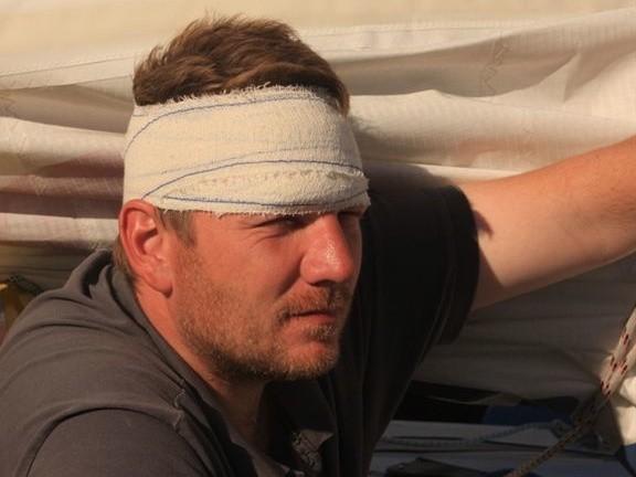 Radek jest ranny i mocno zmęczony, ale wciąż walczy.