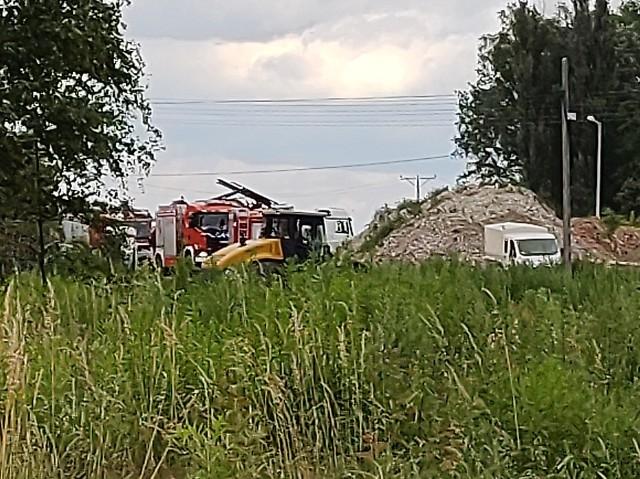 Pięć osób zostało ewakuowanych po awarii gazociągu, do której doszło na terenie budowy trasy S-14, w okolicach ulicy Aleksandrowskiej i Bylinowej w Łodzi. Do zdarzania doszło dziś po południu. Czytaj dalej, kliknij kolejny slajd