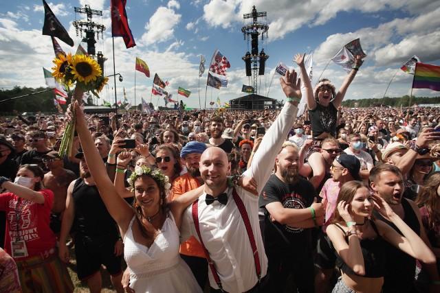 Rozpoczął się polski Woodstock 2021. Organizatorzy imprezy po wielu latach opuścili Kostrzyn nad Odrą. Po raz pierwszy Pol'and'Rock Festival odbywa się na terenie lotniska Makowice-Płoty.