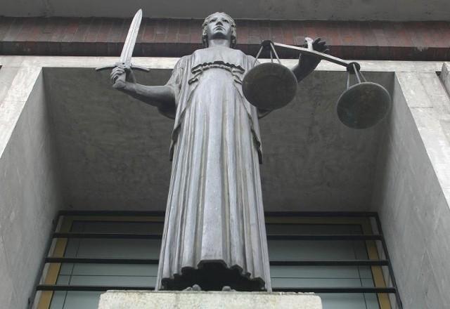 Klauzula sumienia: Tym razem podpisują adwokaci