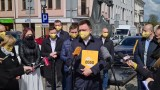 Szymon Hołownia buduje struktury partyjne w Koninie, Kole i Kaliszu. Kolejni politycy przechodzą do Polski 2050