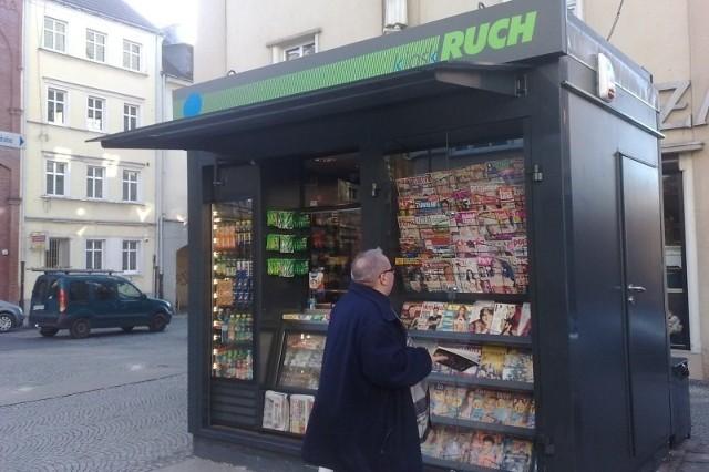 Nowy kiosk na ulicy Książąt Opolskich.