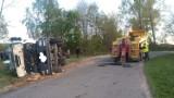 Wypadek koło Tomaszowa Maz. Szambiarka wpadła do rowu. Obsługa była pijana [ZDJĘCIA]