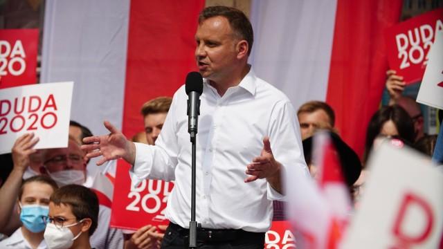 Kampania wyborcza lipiec 2020. Wiec Andrzeja Dudy na wrocławskim Rynku.
