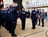 Białystok. Podlaska policja ma 30 nowych funkcjonariuszy policji. Wśród nich jest małżeństwo [zdjęcia]