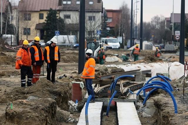 Minimalna stawka godzinowa ma wynieść 12 zł, co spowoduje, że najmniej zarabiający zyskają co najmniej 150 zł miesięcznie.