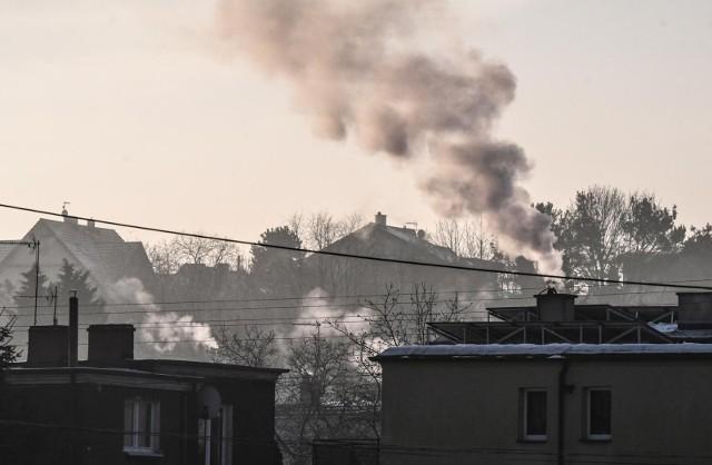 Smog to mieszanina zanieczyszczeń powietrza pochodzących z działalności człowieka oraz naturalnych, niekorzystnych zjawisk atmosferycznych takich jak mgła. Z inicjatywy Grupy OPEC w Grudziądzu pojawiła się sieć urządzeń służących domonitoringu jakości powietrza.
