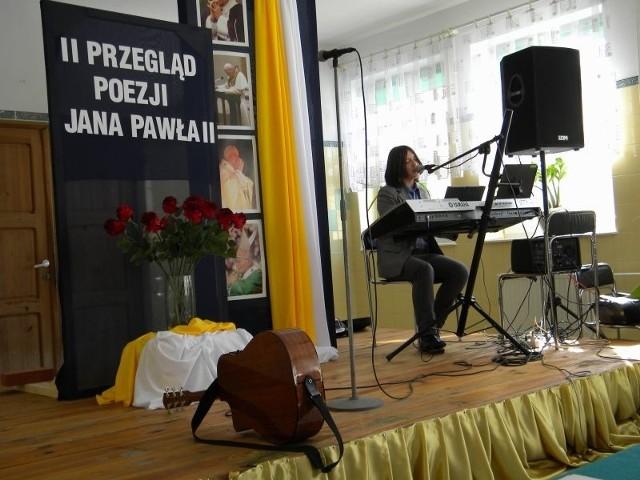 """Mateusz Wiśniewski, uczeń czwórki"""", zajął pierwsze miejsce w kategorii poezja śpiewana"""