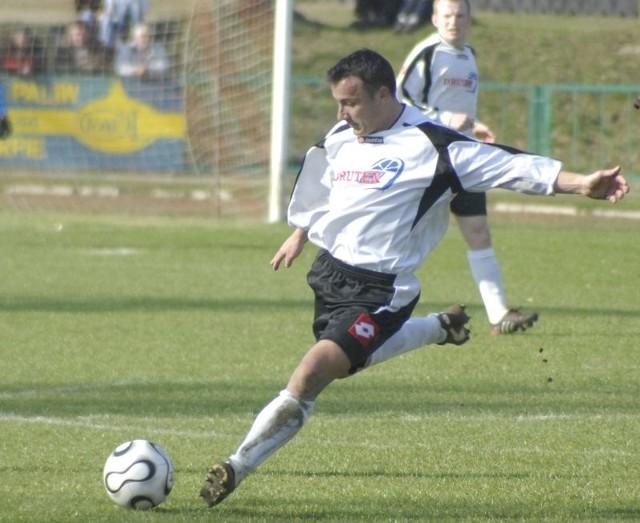 Mariusz Kalamaszek, zawodnik Druteksu-Bytovii Bytów, miał propozycję przejścia do Poloneza Bobrowniki.