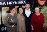 """Premiera filmu Zenek. Na czerwonym dywanie oczywiście sam Zenek Martyniuk z rodziną oraz aktorzy i twórcy filmu """"Zenek"""""""