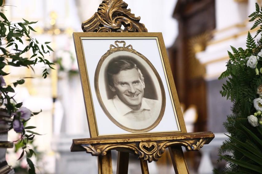 Zdjęcia z uroczystości pogrzebowych Wiesława Gołasa