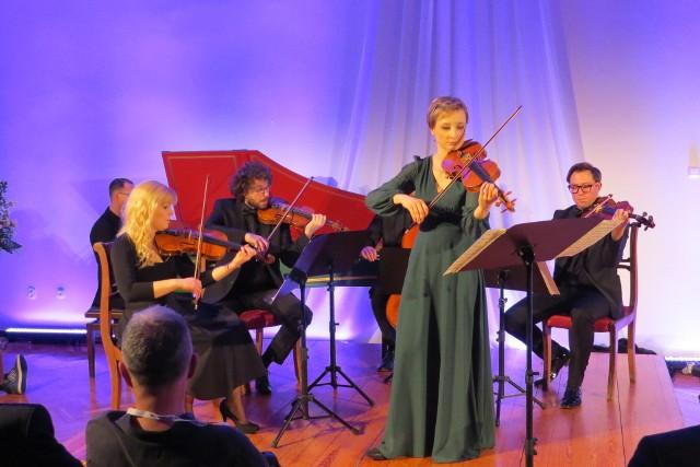 Pomysłodawcy - Maja i Mat Kwiatkowscy: - Brodnica ClassiX to innowacyjny festiwal, w którym świat klasyki łączy się ze światem muzyki współczesnej (jazzem, improwizacją, elektroniką).