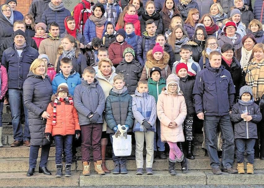 W tym roku święta Bożego Narodzenia w Polsce spędziło 54...
