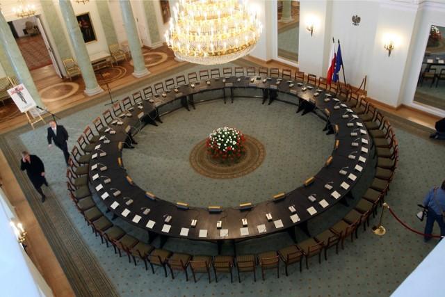 Dudek: Mamy dwie legendy okrągłego stołu - czarną i białą. W obu jest ziarno prawdy
