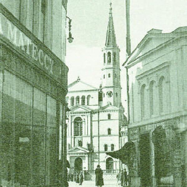 Widok na rynek od strony ul. Krętej (lata 30. XX w.). Autorem tego zdjęcia jest Włodzimierz Kałdowski, fotograf Bydgoszczy.