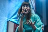 Bela Komoszyńska: Inspirują mnie ludzie, natura i życie - rozmowa z wokalistką grupy Sorry Boys