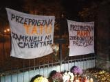 """W Bytomiu na cmentarzu pojawiły się banery: """"Przepraszam mamo..."""". Bo cmentarze na Wszystkich Świętych zamknięte"""