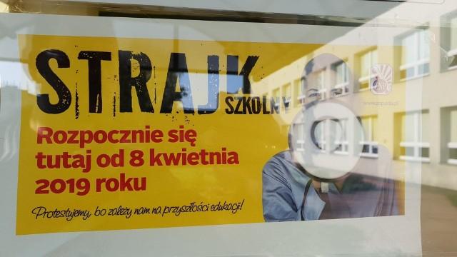 Mimo rozpoczętego w poniedziałek ogólnopolskiego strajku nauczycieli egzamin gimnazjalny, który zaczyna się w środę nie jest na Opolszczyźnie zagrożony - informuje Opolskie Kuratorium Oświaty.