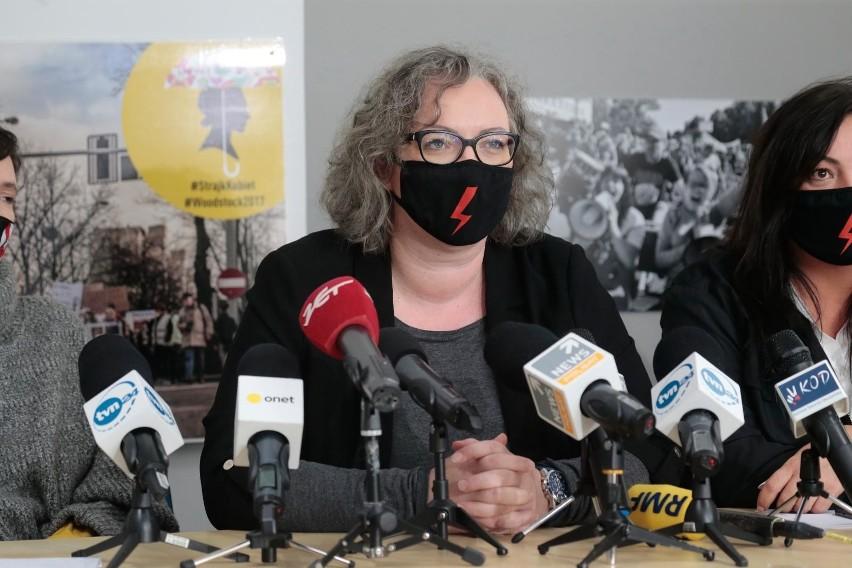 Konferencja Strajku Kobiet. Dziennikarze TVP nie wpuszczeni na salę. Marta Lempart: Szykujemy akcje związane z działaniami Zbigniewa Ziobry