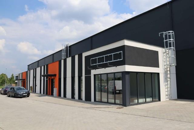 Nowa hala przemysłowa została oficjalnie otwartaZobacz kolejne zdjęcia. Przesuwaj zdjęcia w prawo - naciśnij strzałkę lub przycisk NASTĘPNE