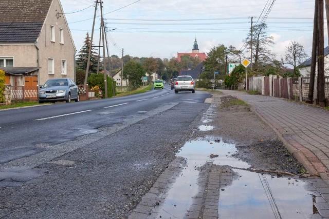 Drogowcy wyremontują m.in. odcinek Złotniki - Chrząszczyze w powiecie opolskim.
