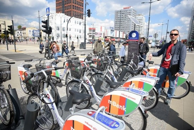 Pierwsze rowery miejskie stoją już przed Centralem