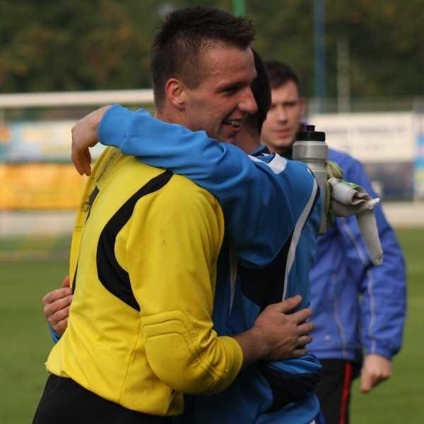 Bramkarz Krzysztof Stodoła w ostatnim meczu siedział na ławce rezerwowych. Teraz wraca do podstawowej jedenastki MKS-u.
