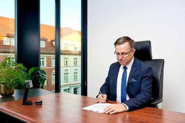 Gmina Piła oraz Miejski Zakład Komunikacji w Pile wraz z PKN ORLEN podpisali list intencyjny na rzecz rozwoju ekologicznego transportu publicznego opartego o napędy zasilane wodorem w naszym regionie.