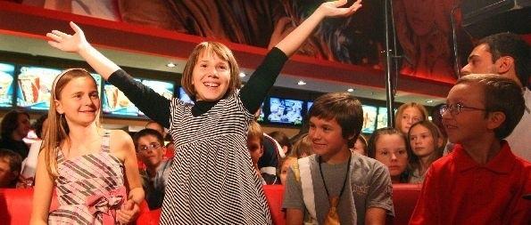 Młodzi aktorzy chętnie odpowiadali na pytania swoich rówieśników