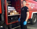 Strażacy dostarczają żywność rodzinom z gminy Zgierz