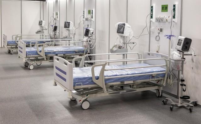 Resort zdrowia poinformował, że zajętych jest prawie 3,1 tysiąca respiratorów.
