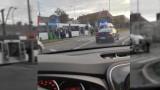 Potrącony rowerzysta i stłuczka trzech pojazdów przy ulicy Ku Słońcu w Szczecinie. Są poszkodowani