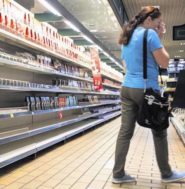 Klienci Almy przyzwyczaili się już do pustych półkek w sklepach sieci