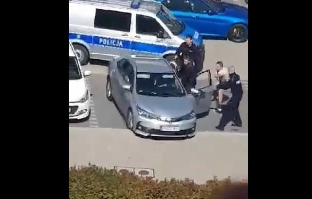 Padły strzały podczas próby zatrzymania kierowcy na ul. Zwycięskiej we Wrocławiu 5.09.2021