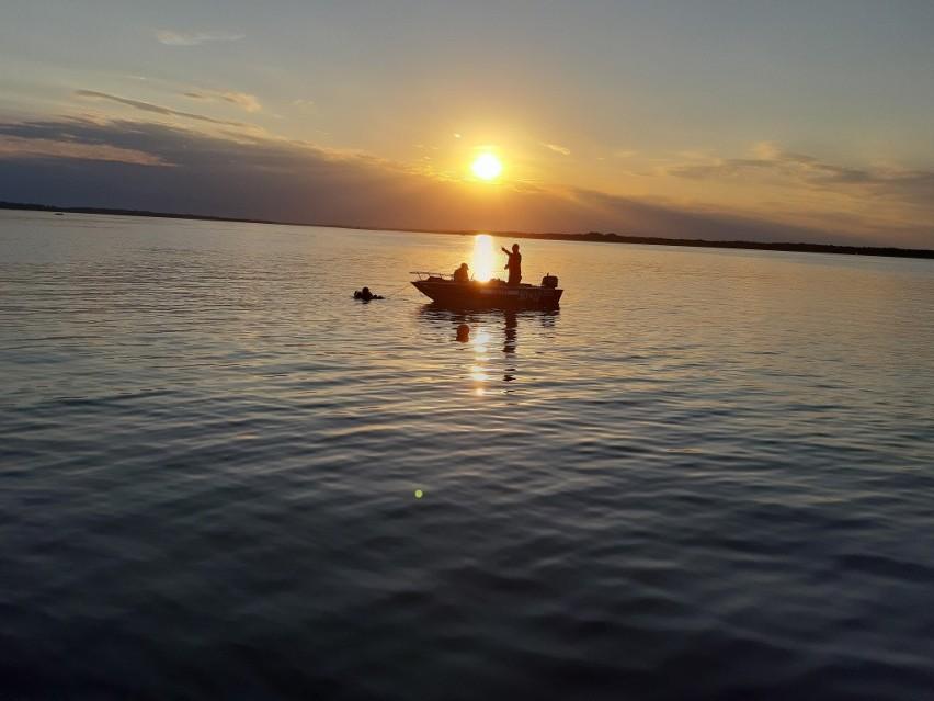 Tragedia na jeziorze Dargin. Ciało mężczyzny odnalazł robot (zdjęcia)