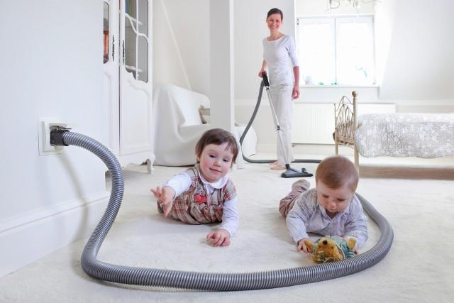 W domu z alergikamiJeżeli nasze dzieci są alergikami cierpiącymi na alergię wziewną, to życie może ułatwić odkurzanie centralne. Dzięki temu rozwiązaniu ograniczymy do minimum roznoszenie kurzu podczas odkurzania.