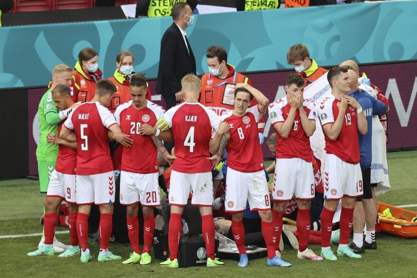 Piłkarze reprezentacji Danii podczas meczu z Finlandią...