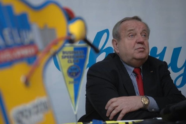 Władysław Komarnicki przyznaje, że liczy na hojność uczestników sobotniego balu. - Zbieramy przecież pieniądze na naprawdę szczytny cel - mówi.