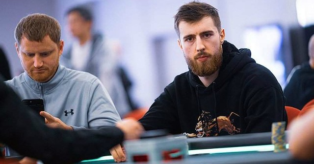 """Wiktor """"Limitless"""" Malinowski tym razem wygrał blisko 1,3 miliona złotych."""