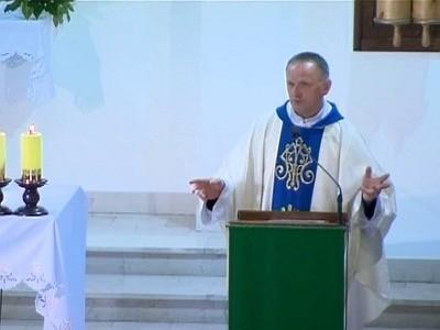 Ksiądz Lemański przemawiał do wiernych w Jasienicy.