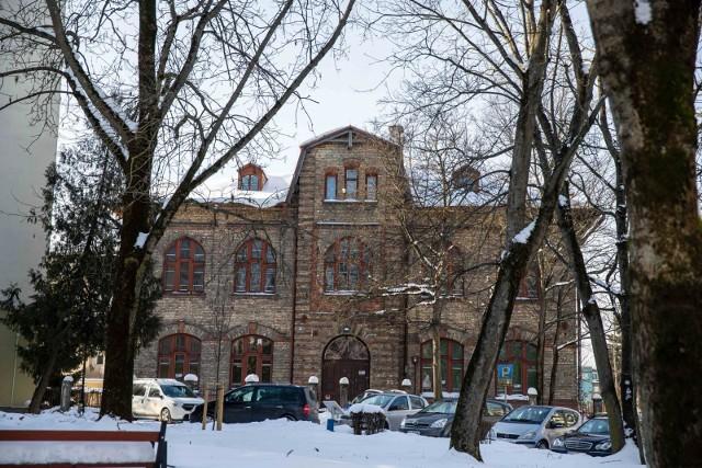 Na remont zabytkowego budynku po dawnej żydowskiej szkole rzemieślniczej  stara się miasto Białystok uzyskać  pieniądze z fundusz po PGR-ach
