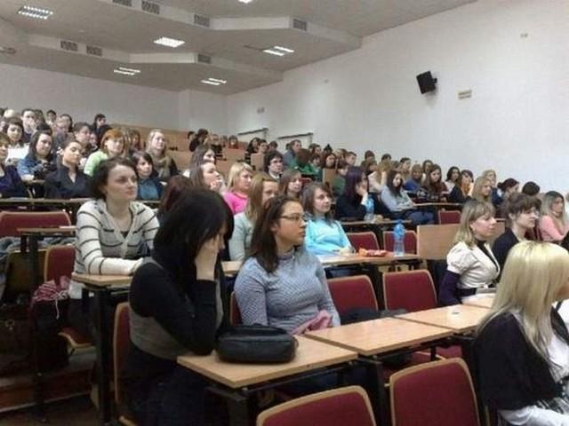 Bydgoszcz. Bezpłatne studia to fikcja? Studenci UKW przestają mieść wątpliwości