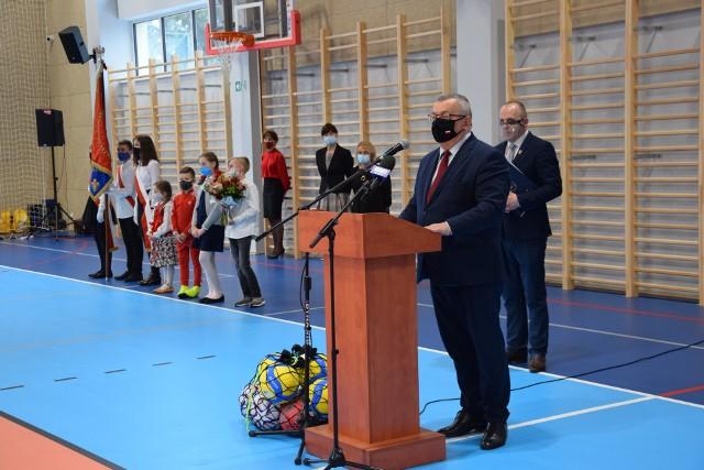 Nowa hala sportowa przy Szkole Podstawowej w Jerzmanowicach została oddana do użytku